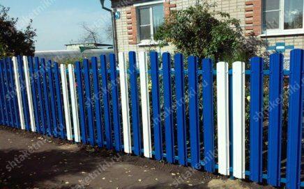 Забор из штакетника 2х цветов Горкой в Мценске Орловской области