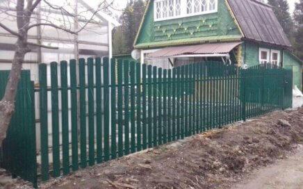 Забор из штакетника в Нижнем Тагиле