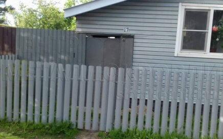 Забор из евроштакетника 7004 серый Фигурный в Иваново