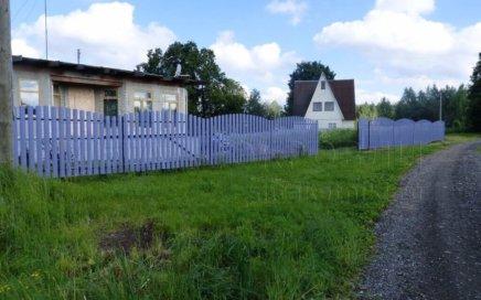 Забор из полукруглого штакетника RAL 4005