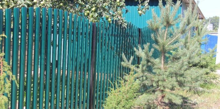 Забор из евроштакетника от Центра Металлокровли