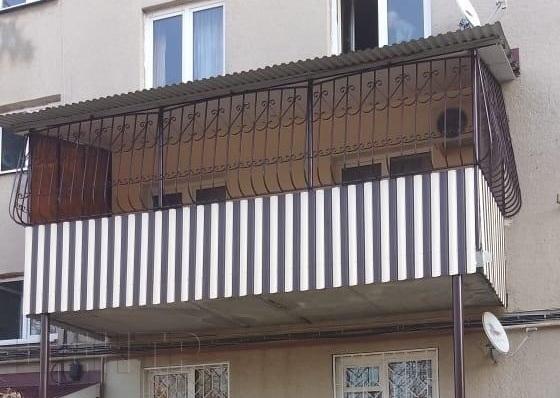 Балконное ограждение из штакетника от Центра Металлокровли