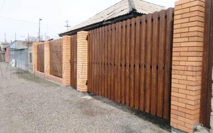 Забор из Евроштакетника в Казахстане