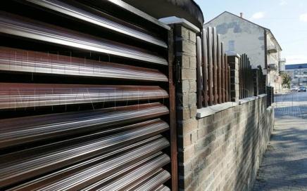 Забор из евроштакетника и еврожалюзи в Калининграде-0