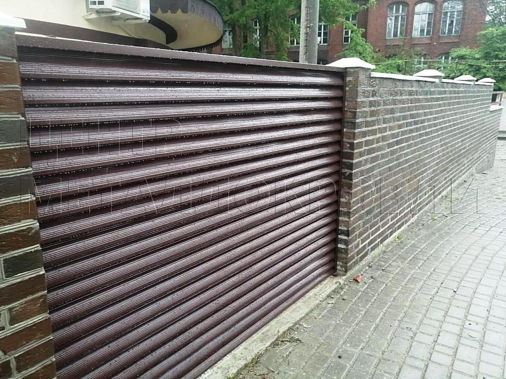 Комбинированный забор из евроштакетника и еврожалюзи в Калининграде-5