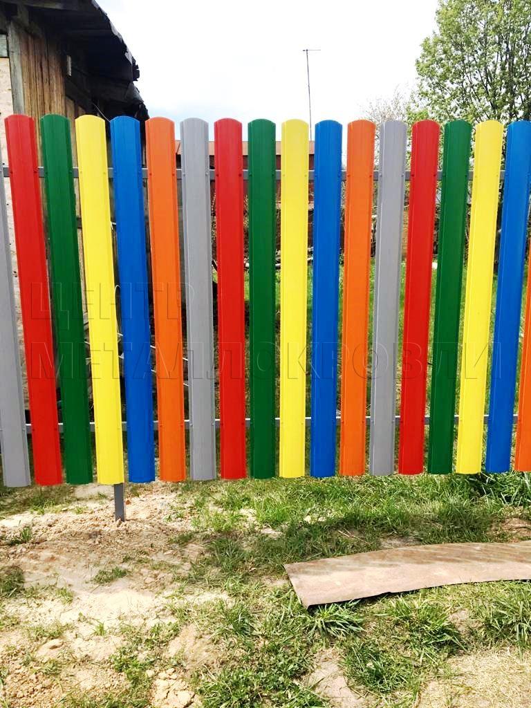 Разноцветный забор евроштакетник полукруглый еврожалюзи - 4
