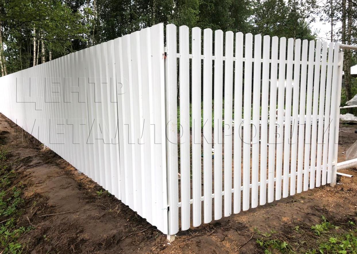 Евроштакетник забор белый полукруглый профнастил - 9